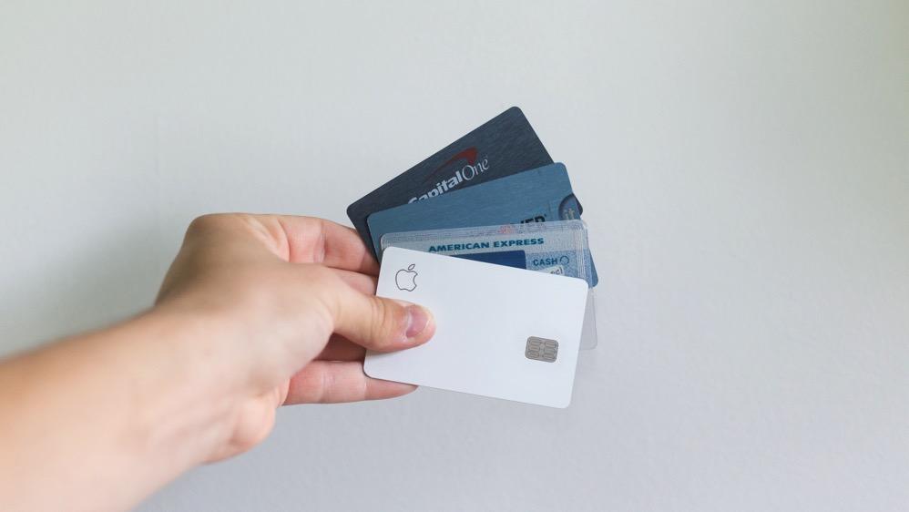 持ち歩くカードを厳選するため、余計なポイントカード等を手放すことができる