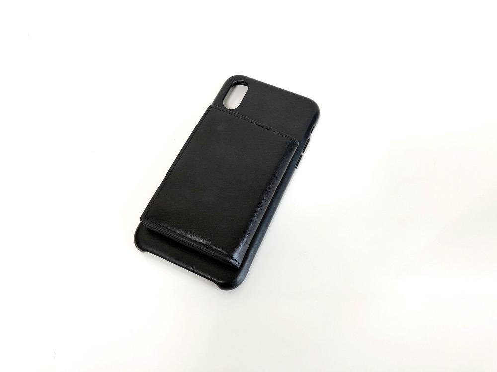 手ぶら財布を貼っているiPhoneケース1